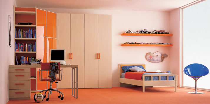cream-orange-bed-room