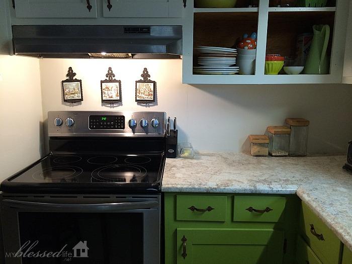 Kitchen-Backsplash-Before