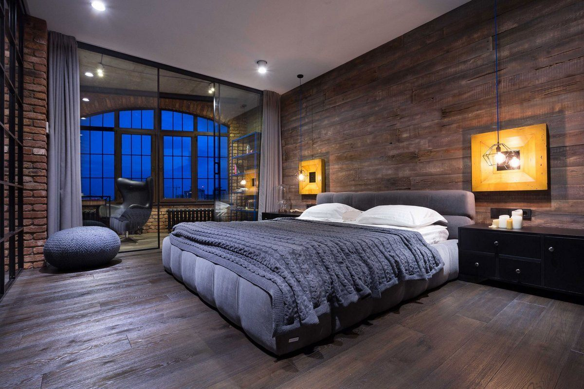 Chalet touch in the through wooden trimmed large bedroom
