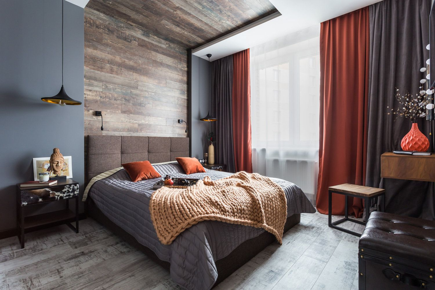 Headboard and ceiling in wooden finishing for modern bedroom