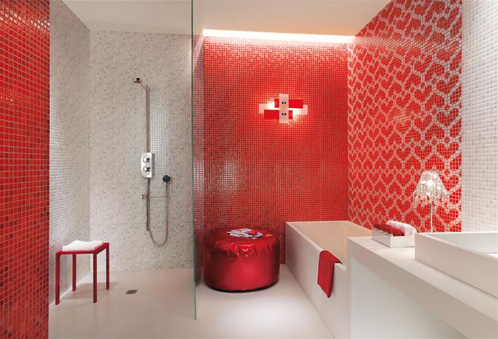 Red-white-heart-mosaic-tiles-bathroom