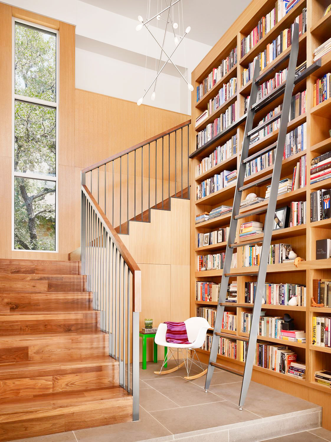 rustic-wooden-stair-bookcase