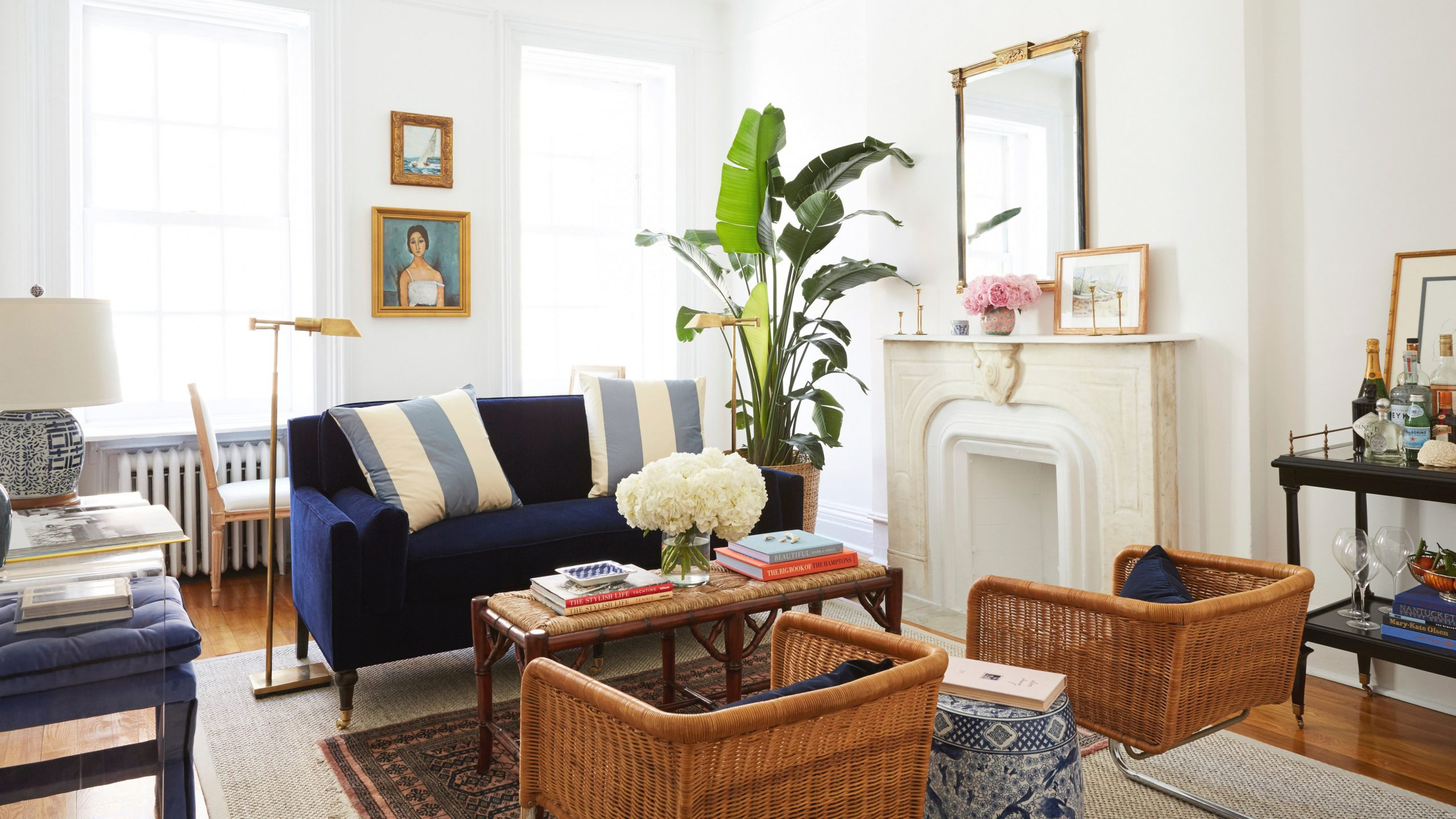 8 Small Living Room Ideas That Will Maximize Your Space regarding 15 Beautiful Ideas Sitting Chairs For Living Room