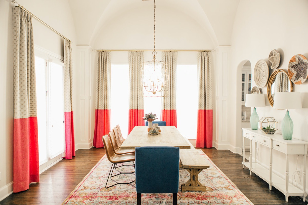 red-dining-room-curtains