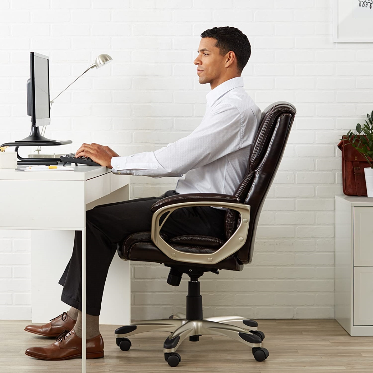 Brown-Leather-Office-Chair