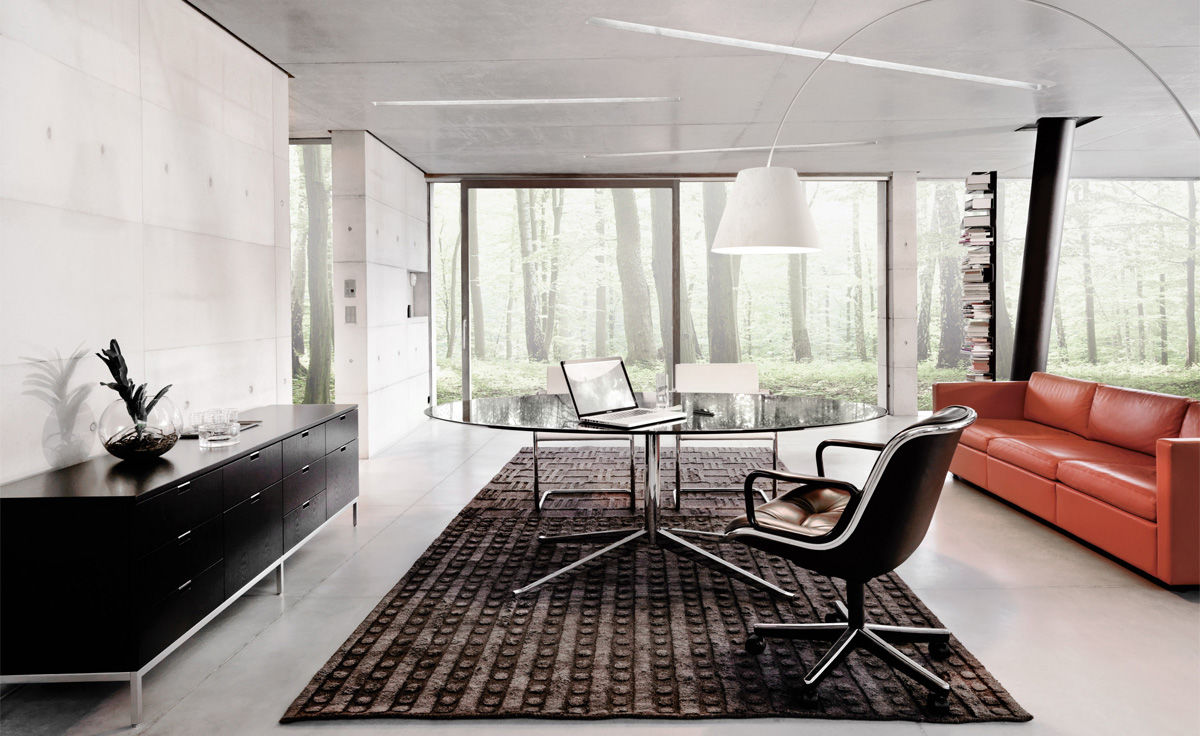 Charles-Pollock-Executive-Armchair-with-Aluminum-Frame-and-Leather-Upholstery