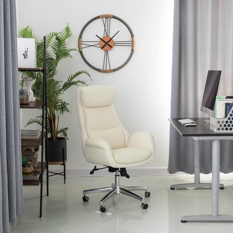 High-Backed-Office-Chair-With-Headrest
