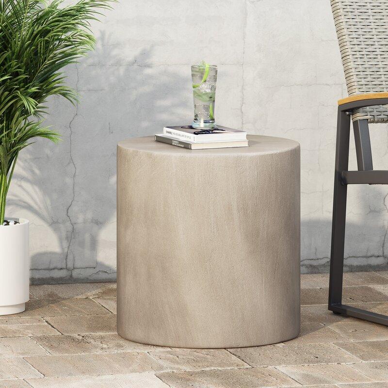 Minimalist-Concrete-Side-Table
