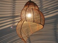 Shell-Shaped-Rattan-Pendant-Light