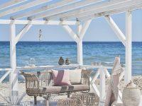 coastal-style-outdoor-sofa