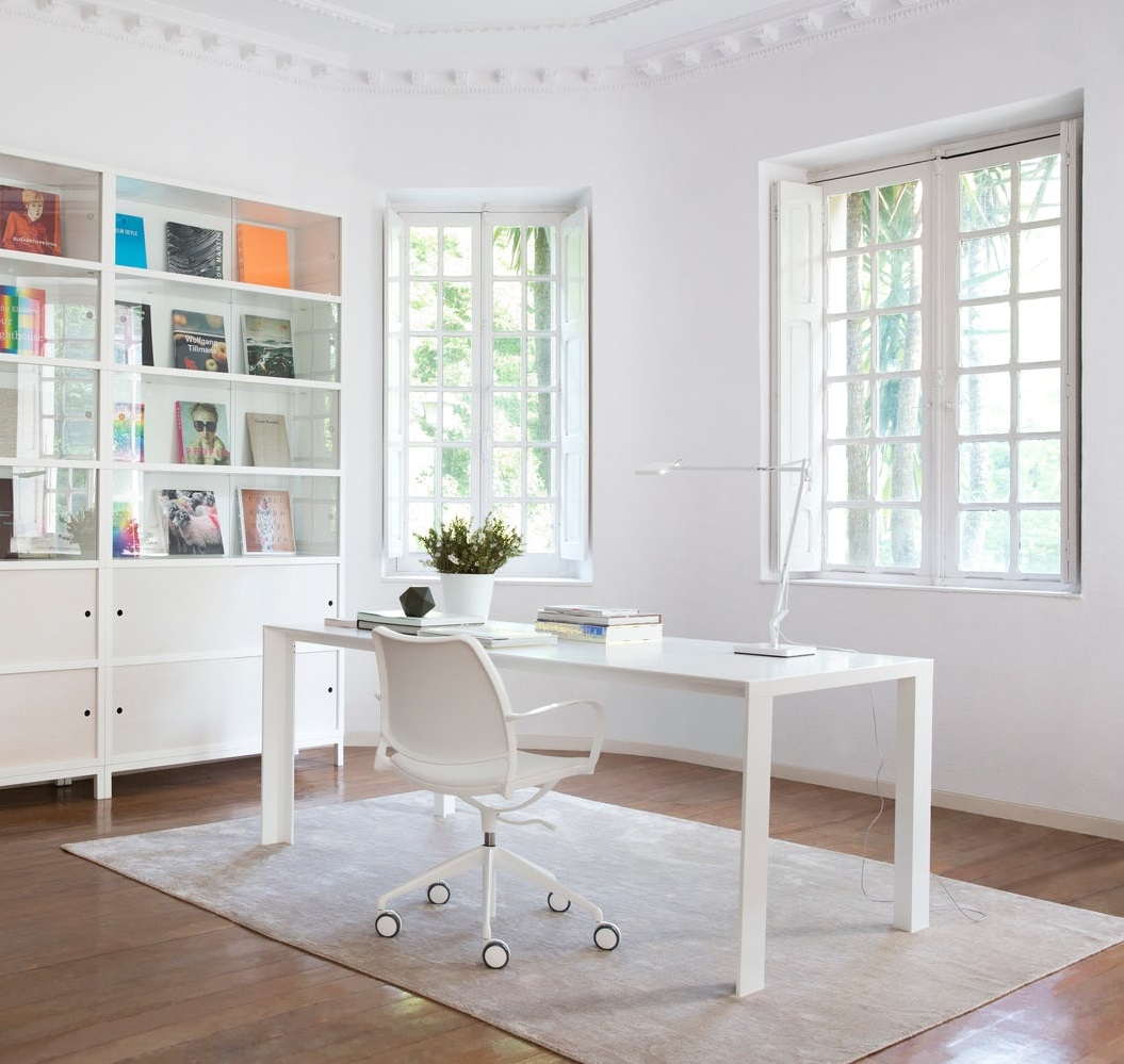 designer-all-white-office-chair-with-armrests-work-from-home-furniture-seating-for-study-desk-high-end-home-office-furniture-for-sale-online