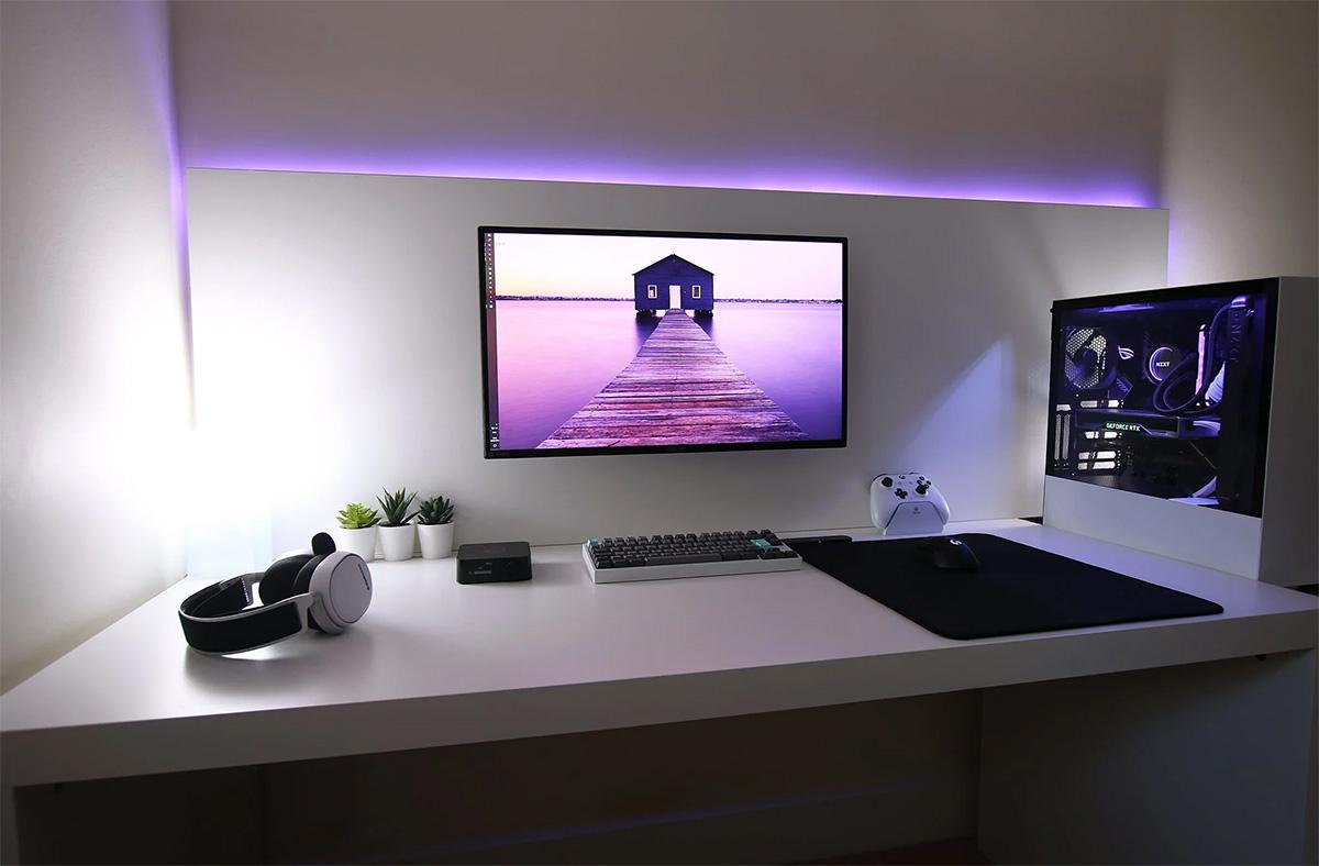 minimalist-desk